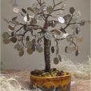 Денежное дерево 100 и 1 монета