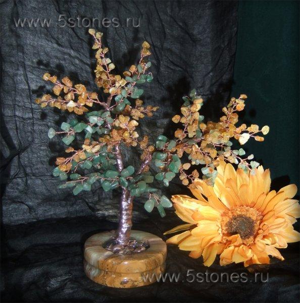 Волшебное дерево из нефрита и янтаря